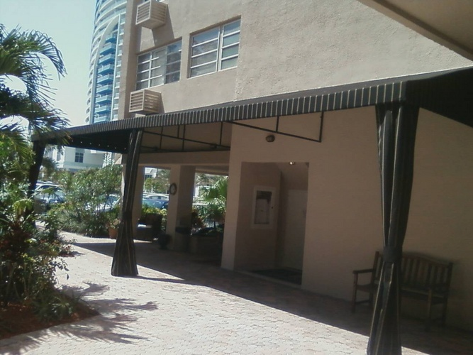 1302532971 040914580801 A To Z Awnings